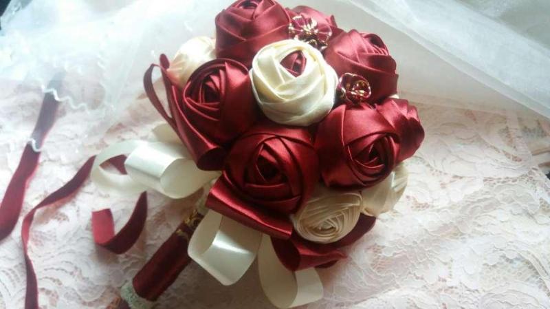 Атласная годовщина свадьбы