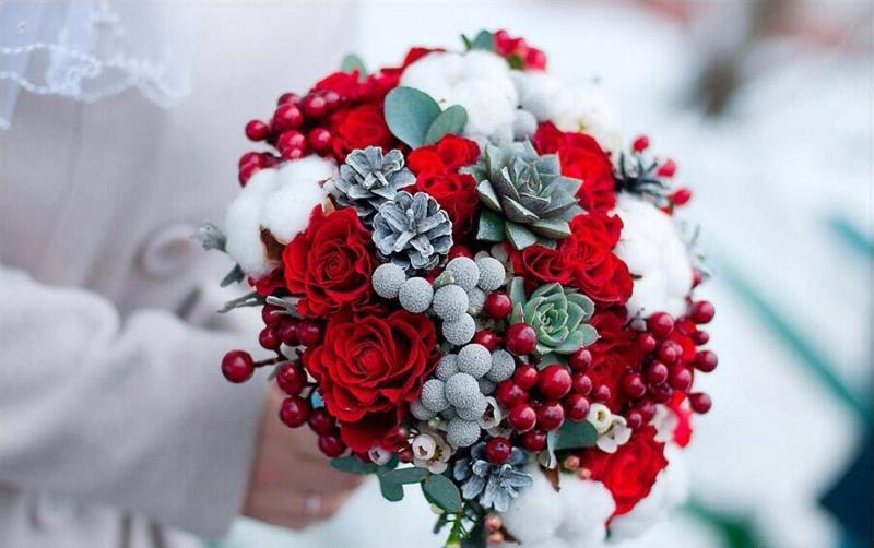 Ярким букет невесты зимой