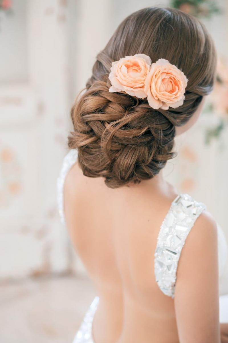 Розы в волосах