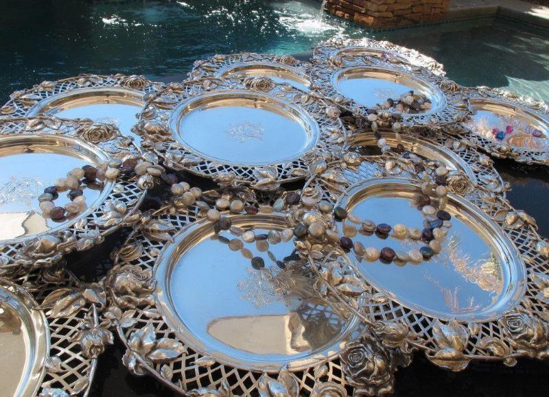 Серебряные тарелки
